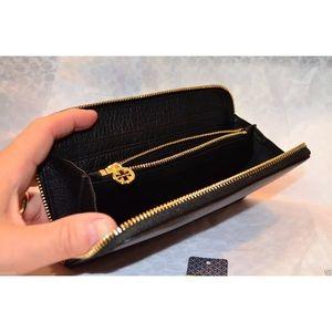b339f57b1426 Tory Burch Bags - NWT Tory Burch Kipp Continental Zip Wallet